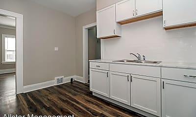 Kitchen, 3248 E 139th St, 2