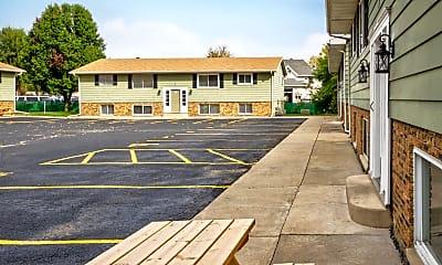 Building, Riverwalk Commons, 1