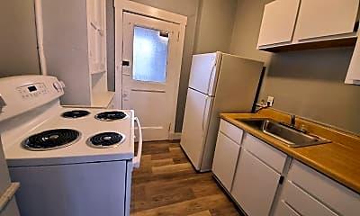 Kitchen, 1207 Kelton Ave, 2