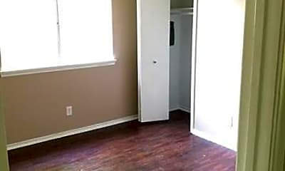 Bedroom, 212 Ridgeway Cir, 2