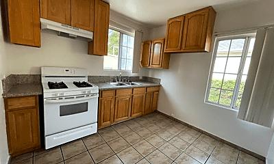 Kitchen, 808 E Garfield Ave, 2