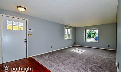 Living Room, 2245 Moccassin Dr, 1