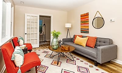 Living Room, 1012 Bundy Ave, 1