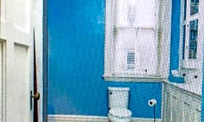 Bathroom, 2035 S 3rd St, 1