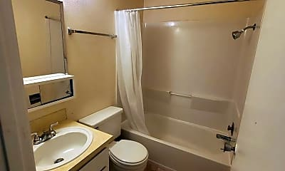 Bathroom, 1440 NW Division St, 2