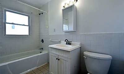 Bathroom, 27 Valley Rd, 2