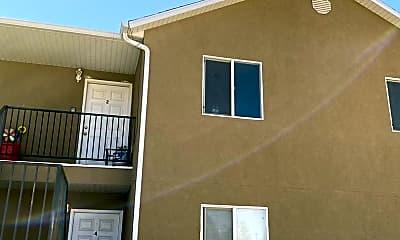Building, 156 W 820 S, 0