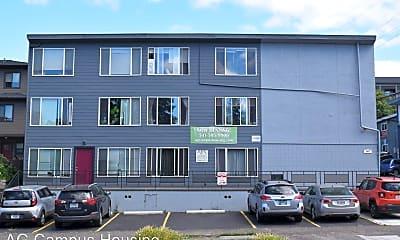 Building, 945 E 19th Ave, 1