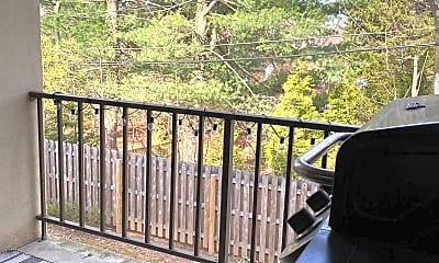 Patio / Deck, 411 Conestoga Rd 14, 2