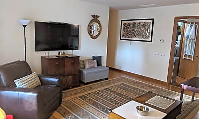 Living Room, 2212 Wake Robin Dr, 1