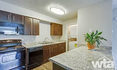 Kitchen, 1565 N Business Ih 35, 1