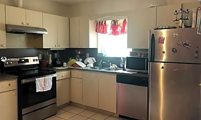 Kitchen, 2815 SW 39th Ave 2817, 1