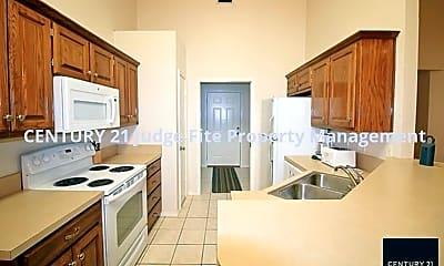 Kitchen, 2630 Bolivar St, 2