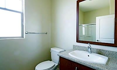 Bathroom, Brisa Luxury Studios in Los Angeles, 2