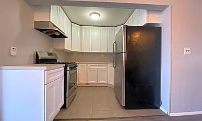 Kitchen, 2307 Summit Ave 3, 1