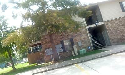Pinnacle Apartments, 0