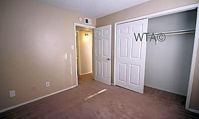 Bedroom, 3600 Eisenhauer, 2