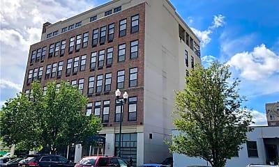 Building, 25 Leroy Pl 1, 0