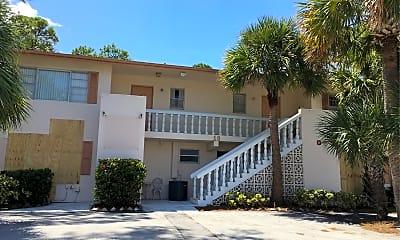 Pines Resort & Apartments, 0