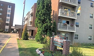 Luther Manor - Luther Towers, 2