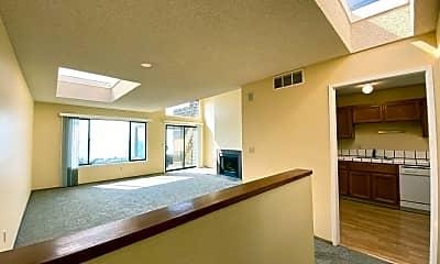 Living Room, 286 Beachview Ave, 1