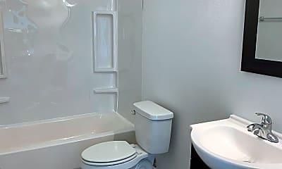 Bathroom, 522 S Broadway Ave, 2