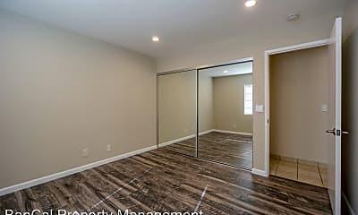 Living Room, 671 Villa St, 2