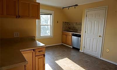 Kitchen, 1575 W Broad St, 1