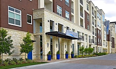 Building, Vargos On The Lake Apartments and Townhomes, 1