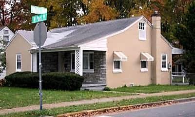 Building, 219 W Park Pl, 0