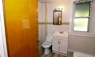 Bathroom, 94 Bayswater St, 2
