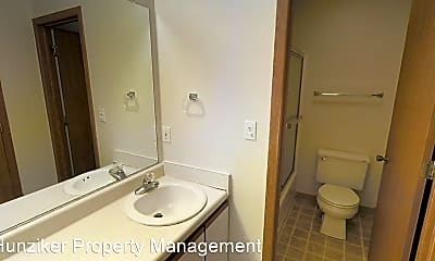 Bathroom, 1019 Delaware Ave, 2