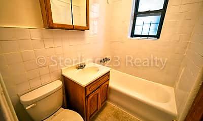 Bathroom, 21-31 27th St, 2