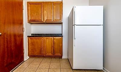 Kitchen, 703 N Austin Blvd, 2