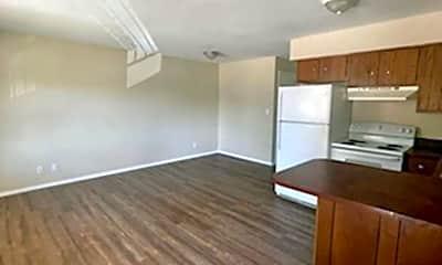 Living Room, 2511 N Kentucky Ave, 1
