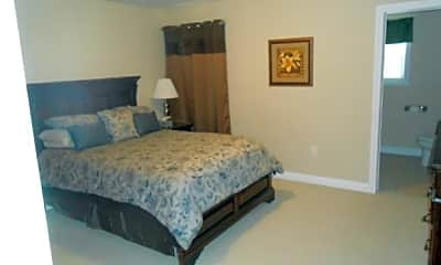 Bedroom, 101 Pheasants Run, 2