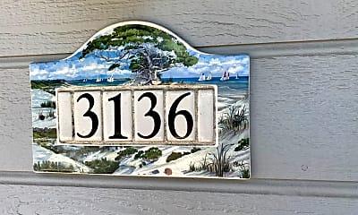 Building, 3136 Lake Dr, 1