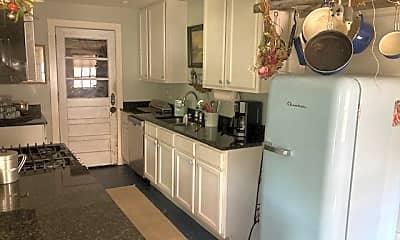Kitchen, 367 Azalea St, 1