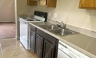 Kitchen, 2755 Wedge St, 1
