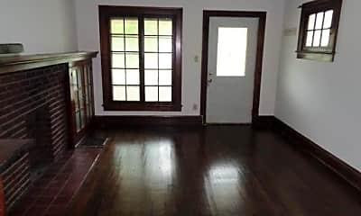 Living Room, 117 E Hudson St, 1