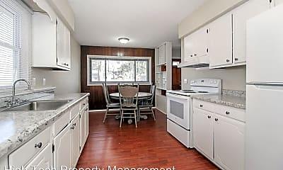 Kitchen, 200 Courtland Blvd, 1