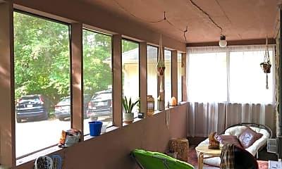Patio / Deck, 428 E 2nd St, 1