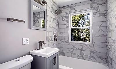 Bathroom, 25 Paragon Rd 2, 1