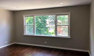 Living Room, 6023 N Artesian Ave, 0