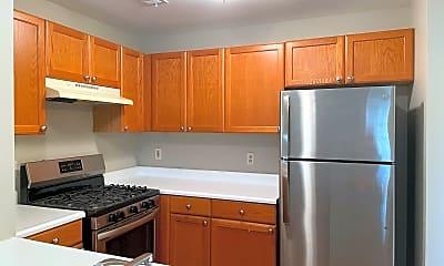 Kitchen, 23 Basset Ct, 1