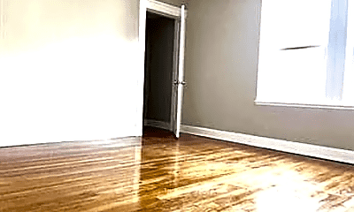 Living Room, 347 Vermont St, 2