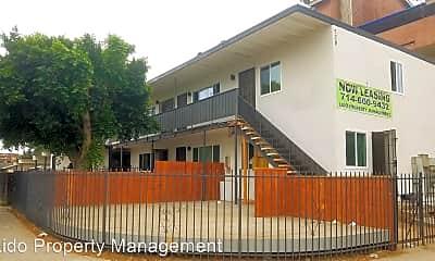Building, 728 E Walnut St, 2
