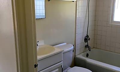 Bathroom, 4422 SW Beach Ave, 2