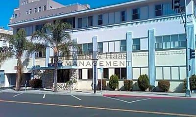 Building, 101 Atlantic Ave, 1