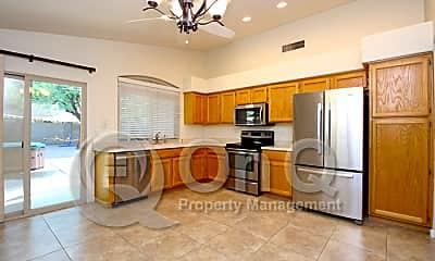 Kitchen, 445 W San Angelo, 1